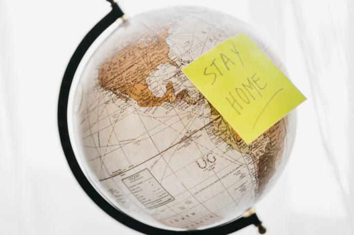 Vakantie staycation - wereldbol - Verlichting van Toen