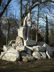 Monument voor Marthinus Theunis Steyn, president van de Oranje Vrijstaat (1892-1902), in het Rijsterborgherpark in Deventer (JanB46, CC A 3.0 U)