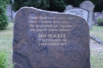 Grafsteen Jan Sukkel (foto Benjamin Wesseling)