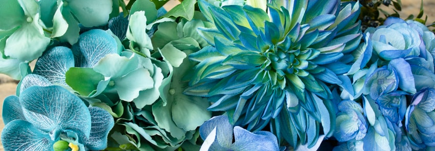 fleurs artificielles bleues decors