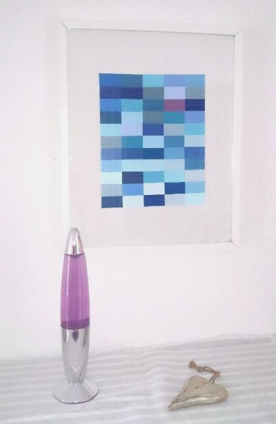 verschiedenArt: Blauer See mit Seerose