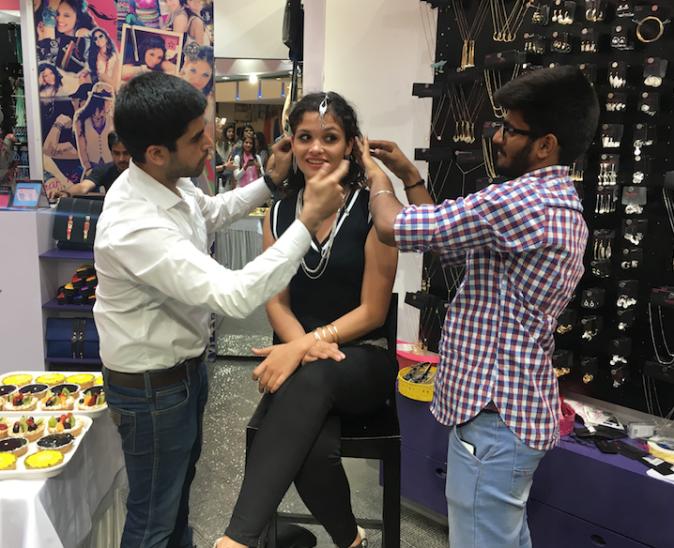 Bloggers Dressing up Ayesha Kapur at Ayesha Accessories launch
