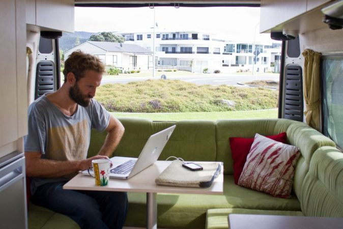 3 Ways Travelers Can Benefit from Wireless Internet