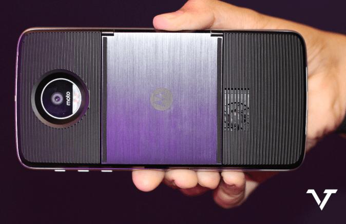 moto-mod-projector