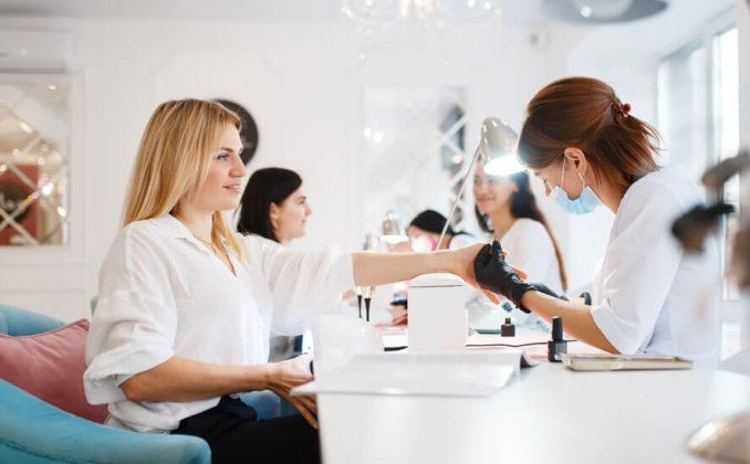 How to design a small nail salon - clever tips and tricks