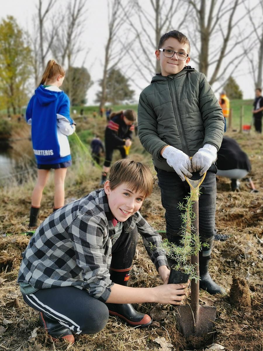 Trees for Survival Goldfields School Paeroa and Waikato Regional Council.