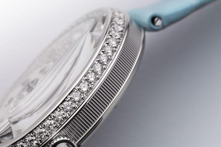Breguet Reine De Naples 8938, in white gold with a blue bracelet