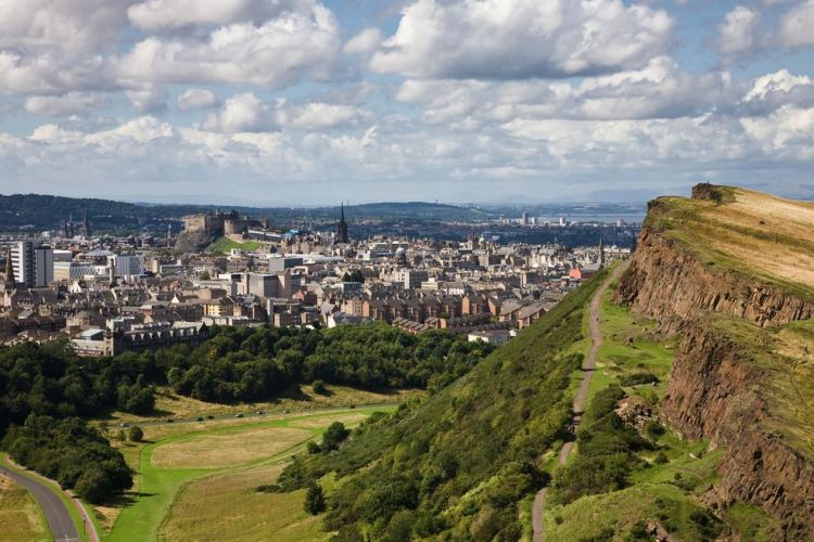A view over Edinburgh from Arthur's seat in Holyrood park