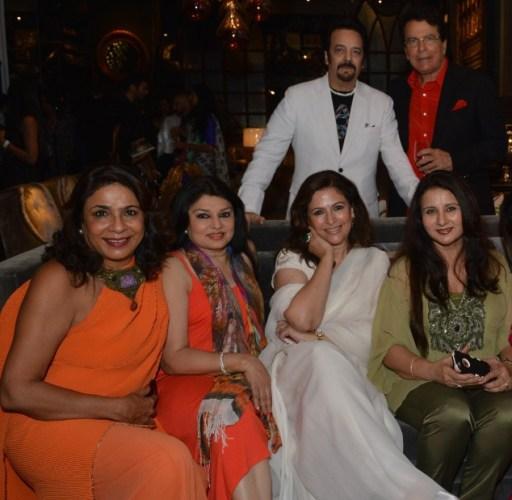 Akbar Khan, Sameer Khan, Rashmi Uday Singh, Kiran Juneja, Dilshad Sheikh, Poonam Dhillon