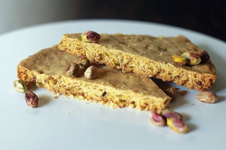 Almond and pistachio shortbread