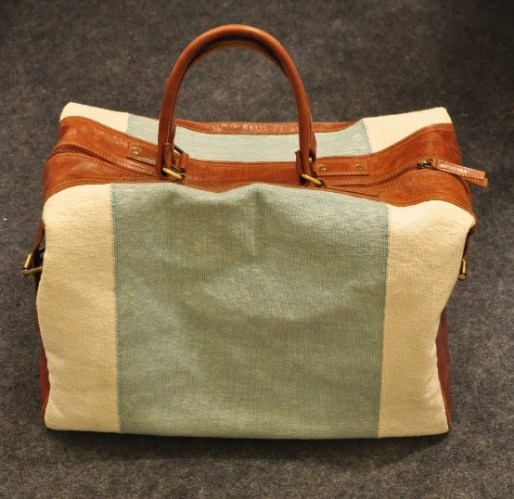 Oversized travel bag by Amrich