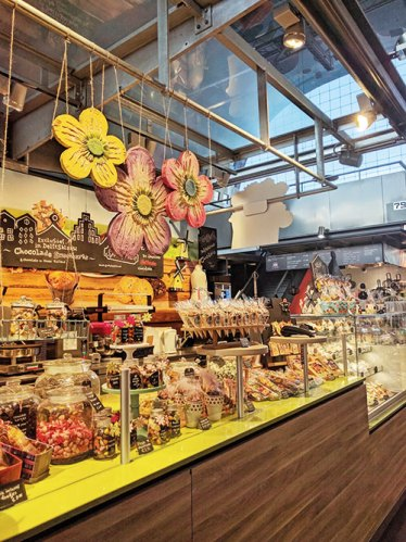 Pop art at a confectionery shop at Markthal