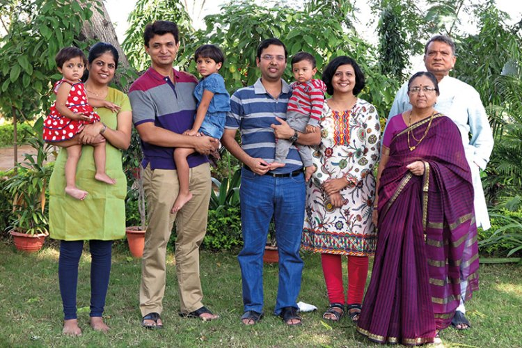 Dr Vikas Amte, Sheetal Amte and Kaustabh Amte with their family members