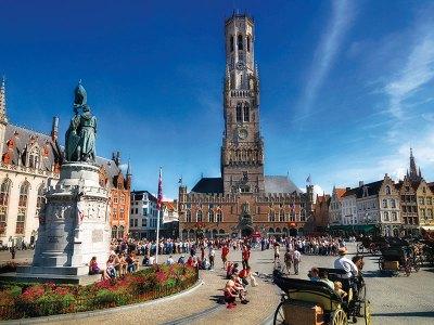 The buzzing Bruges Market