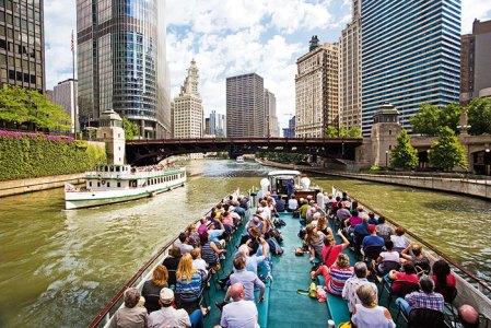 River cruise to appreciate architecture