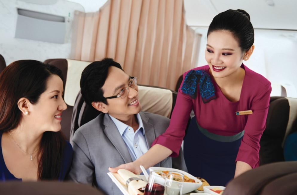 silk air, life hacks, what air hostesses can teach you, inflight etiquette, manners, flying