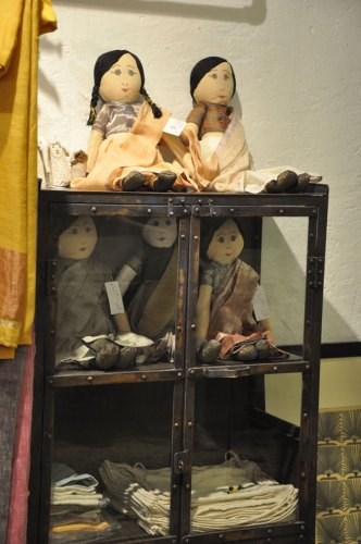 Sari dolls by Anavila