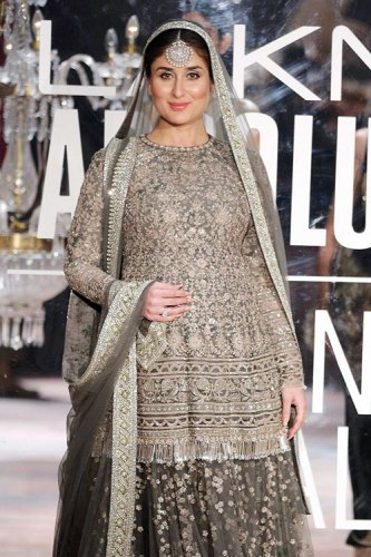 Kareena Kapoor Khan at Lakmé Fashion Week WF16