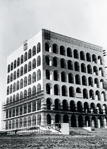 Scaffolding on the facades of the Palazzo della Civiltà Italiana during the 1940s