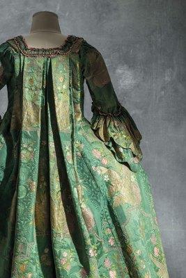 Robe à la française (sack-back gown), around 1740, silk damask with silk and metallic thread-brocaded satin