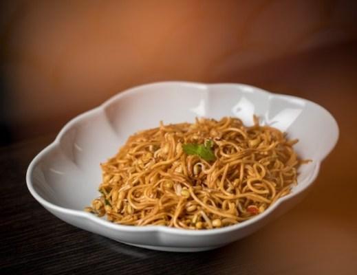 Hakka hand pulled noodles