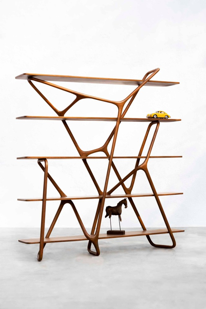 Geometry meets abstractism in the Hakone Shelf