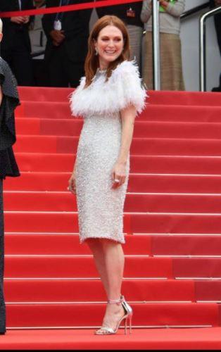 Julianne Moore in Chanel