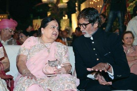 Kokilaben Ambani, Amitabh Bachchan