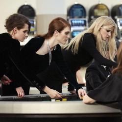Kristen Stewart, Julianne Moore, Lara Stone