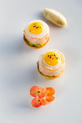 Local lobster burgers with quail egg and Thermidor aioli