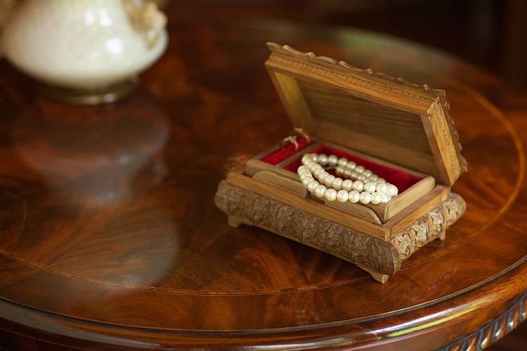 Walnut wood carved box