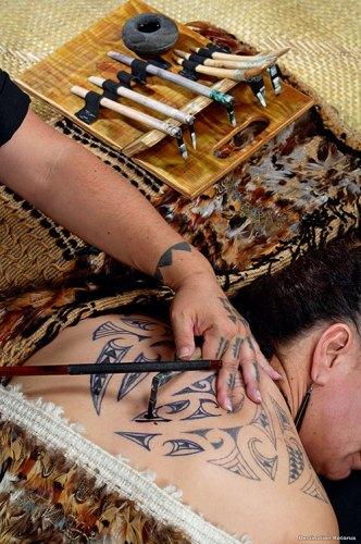 Traditional Māori Tattoo Artistry