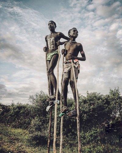 Hammar Tribe Children Play on Stilts