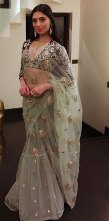 Pernia Qureshi in Payal Singhal
