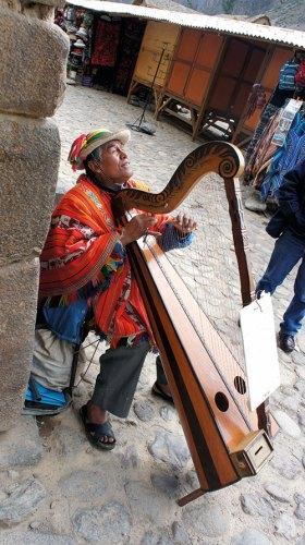 A local musician at Ollantaytambo