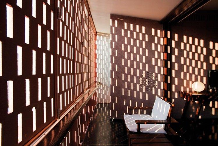 A Play Of Light Through The Rectangular Jali Screens
