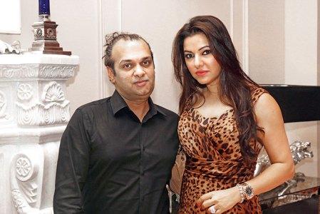 Raj Anand, Kaykasshan Patel