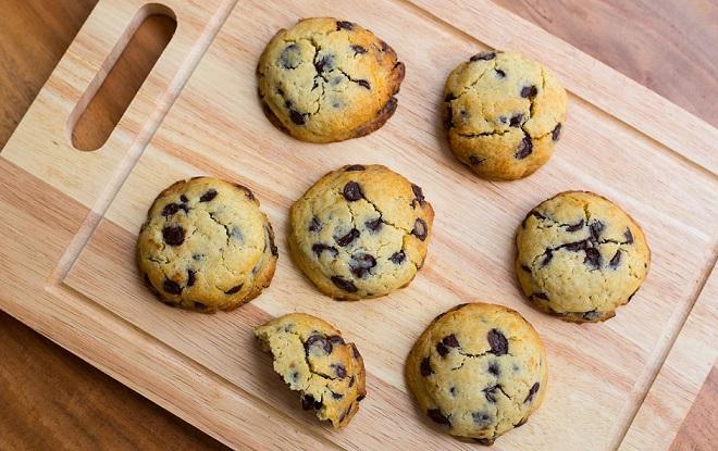 Sea salt and dark chocolate cookies