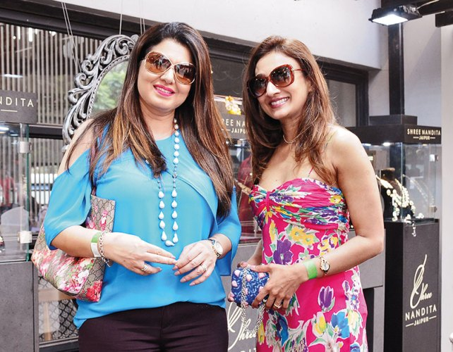 Sonia Sethi, Saroja Sirisena