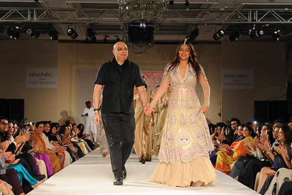 Tarun Tahiliani presents Modern Mughals for Sahachari Foundation Sonakshi Sinha