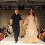 Tarun Tahiliani presents Modern Mughals for Sahachari Foundation Sonakshi Sinha