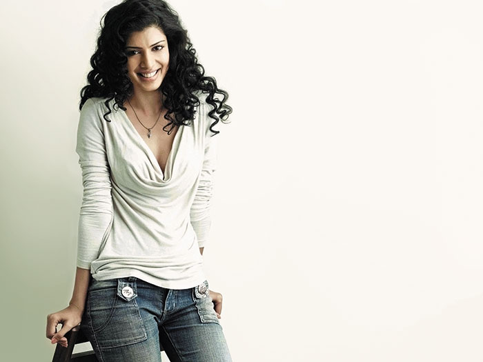 Tena Desae, Bollywood Actress, Yeh Faasley, The Best Exotic Marigold Hotel