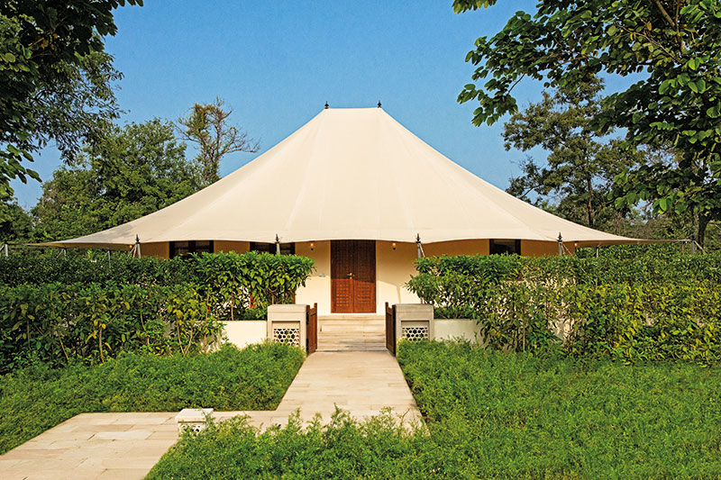 Royal Tent & The Oberoi Sukhvilas Resort and Spa Is The Flavour Of The Season ...