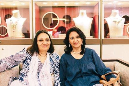 Uma Prakash, Meethali Narain