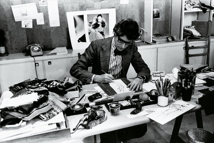Yves Saint Laurent at work, 1976