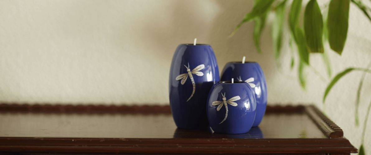 Candle holders in lacquer-finish