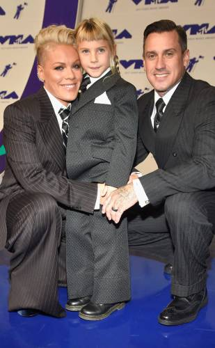 P!ink with daughter Willow and husband Carey Hart