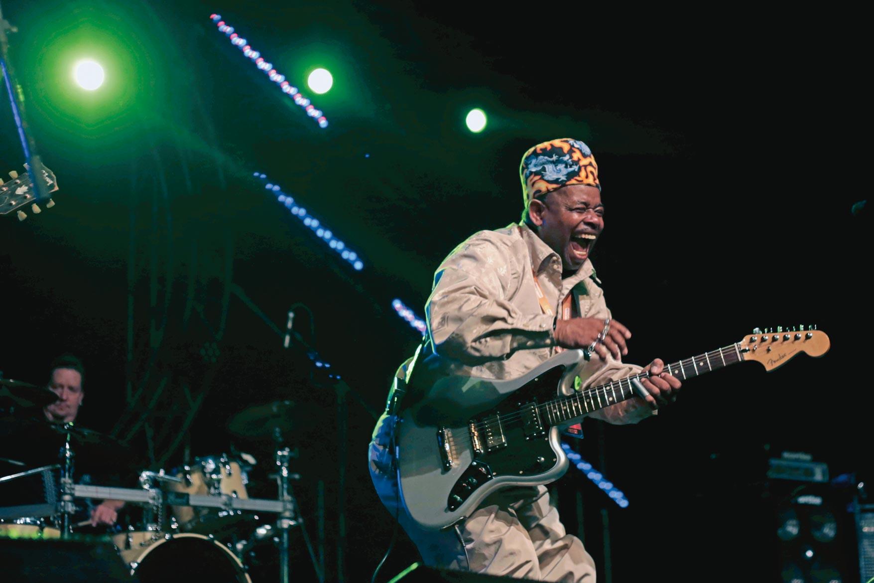 Lil-Ed-shaking-up-Mahindra-Blues-this-year