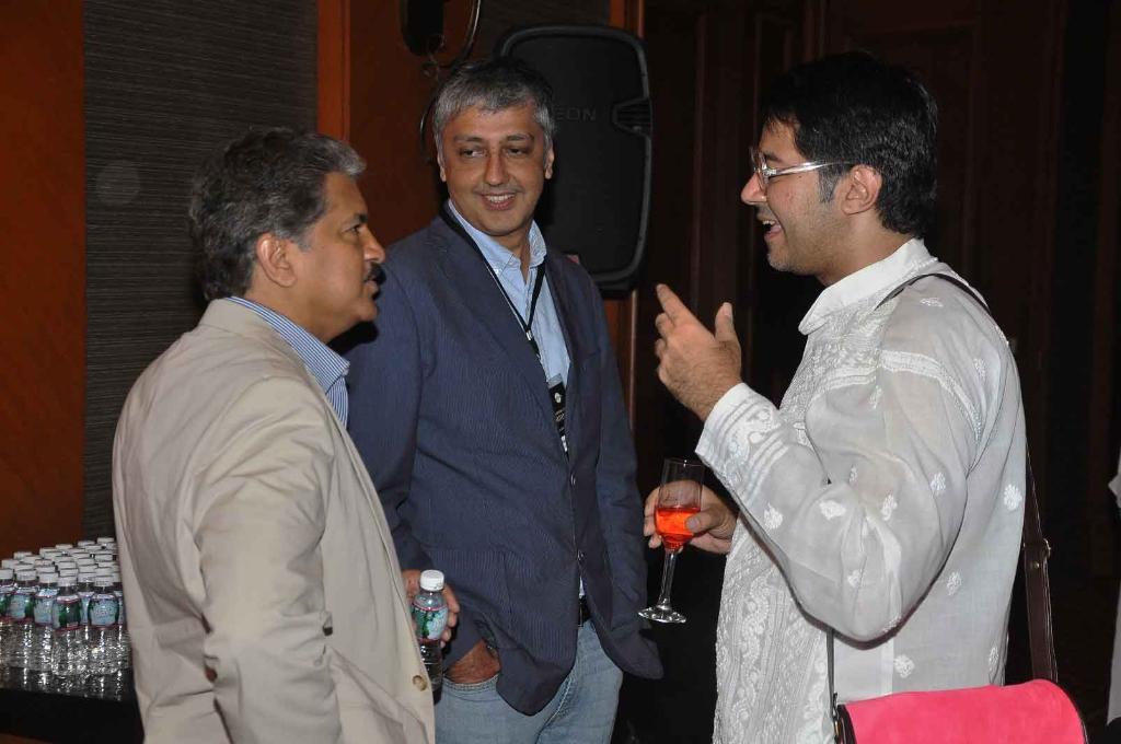 Anand Mahindra, Mahesh Samat and Parmesh Shahani at the Mumbai Mantra Sundance Brunch