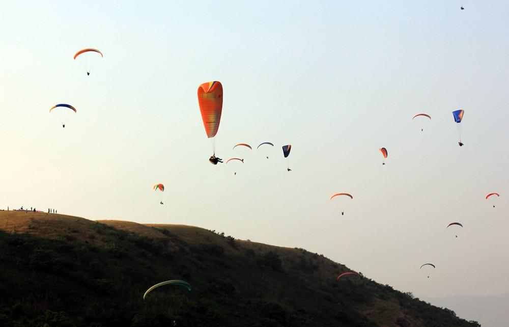 Paragliding: Flying Competition, Kamshet